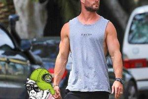 Chris Hemsworth - One Spot Print
